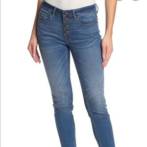 Vigoss Button Fly Mid Rise Skinny Jeans